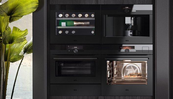 AEG mat zwarte keukenapparatuur | Satink Keukens